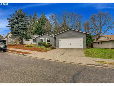 Tualatin Single Family Home For Sale: 17943 SW 105th Ct