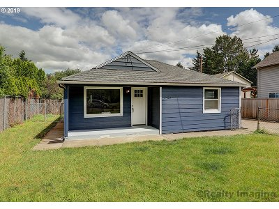 Portland Single Family Home For Sale: 3420 SE 112th Ave