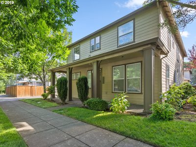 Single Family Home For Sale: 9536 N Dwight Ave