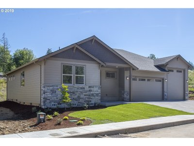 Estacada Single Family Home For Sale: 1300 NE Cascadia Ridge Dr