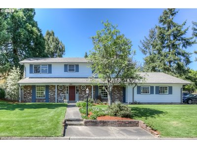 Monmouth Single Family Home Sold: 412 S Stadium Dr