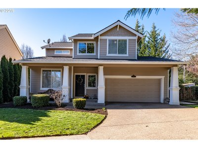 Tigard Single Family Home For Sale: 8439 SW Norfolk Ct