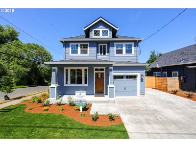 Multnomah County Single Family Home For Sale: 8285 N Hartman St