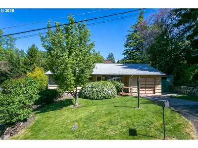 Portland Single Family Home For Sale: 6405 SW Radcliff St SW