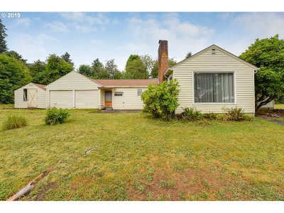 Milwaukie, Gladstone Single Family Home For Sale: 5520 SE Thiessen Rd