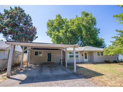 Eugene Single Family Home For Sale: 876 Archie St