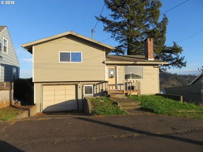 Lincoln City Single Family Home For Sale: 4832 SW Coast Ave