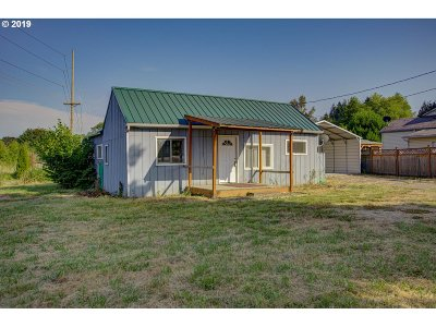 Molalla Single Family Home For Sale: 32448 S Molalla Ave