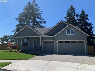 Oregon City Single Family Home For Sale: 16429 Kitty Hawk Ave #Lot4