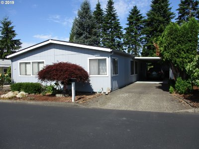 Beaverton Single Family Home For Sale: 100 SW 195th Ave #112