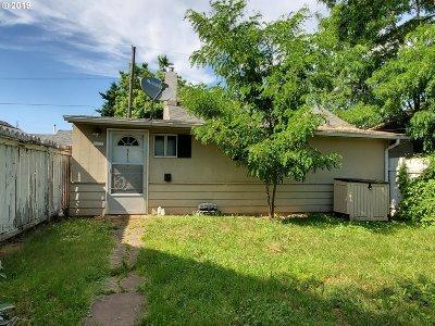 Single Family Home For Sale: 8427 SE Alder St