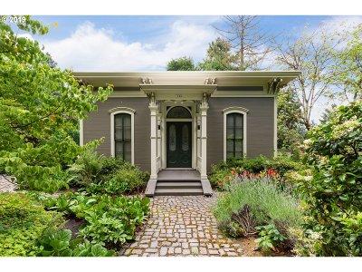 Portland Multi Family Home For Sale: 1020 SW Cheltenham Ct
