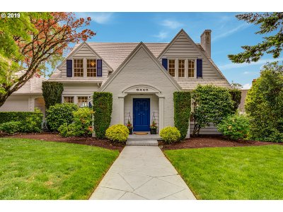 Portland Single Family Home For Sale: 6440 SW Parkhill Way