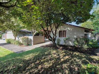 Single Family Home For Sale: 5055 SE 33rd Pl