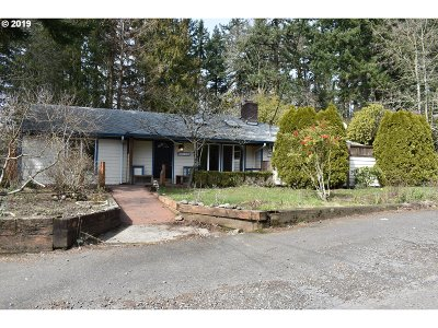 Portland Single Family Home For Sale: 5215 SW 26th Dr