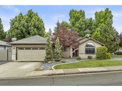 Medford Single Family Home For Sale: 3030 Ruby Dr