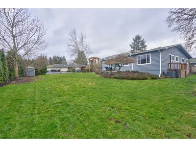 Scappoose Single Family Home For Sale: 52248 SE Endicott Ln
