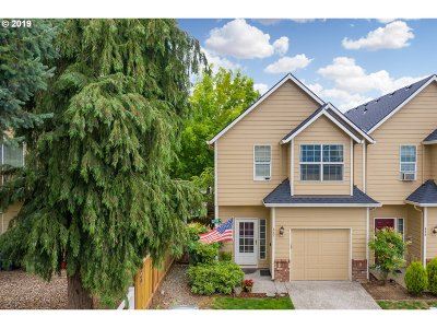 Beaverton Single Family Home For Sale: 887 SW 198th Pl