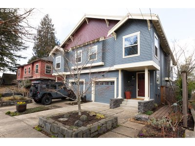 Portland Single Family Home For Sale: 5857 SE Yamhill St