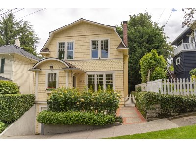 Portland Single Family Home For Sale: 2122 SW 18th Ave