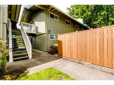 Eugene Condo/Townhouse For Sale: 2062 W 14th Pl