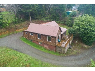 Coos Bay Single Family Home For Sale: 63495 Shinglehouse Rd
