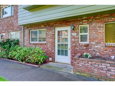 Gresham OR Condo/Townhouse For Sale: $187,000