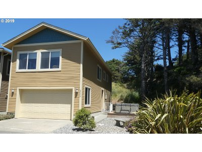 Gold Beach OR Single Family Home For Sale: $335,000