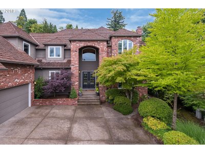 Multnomah County Single Family Home For Sale: 9149 NW McKenna Dr