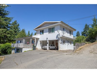 Coos Bay Multi Family Home For Sale: 577 9th Ave