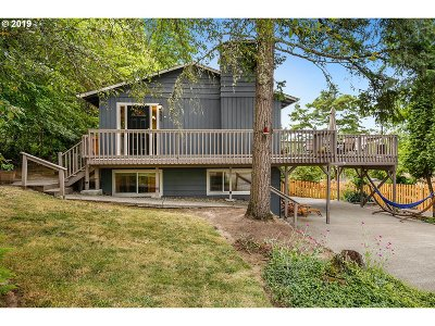 Portland Single Family Home For Sale: 9650 SW Morrison St