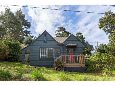 Lincoln City Single Family Home For Sale: 1814 NW 26th St