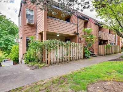 Lake Oswego Condo/Townhouse For Sale: 55 Oswego Smt