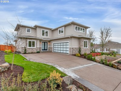 Clackamas County Single Family Home For Sale: 13258 Amber Pl
