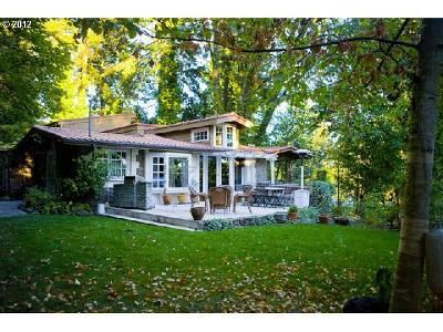 Lake Oswego Single Family Home For Sale: 2801 Lakeview Blvd
