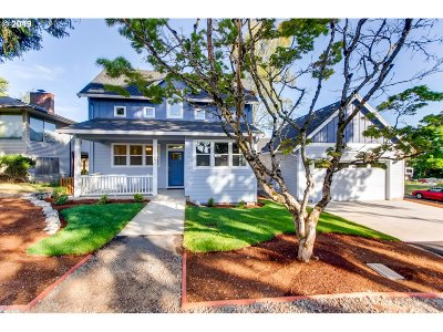 Milwaukie Single Family Home For Sale: 4926 SE Allan Rd