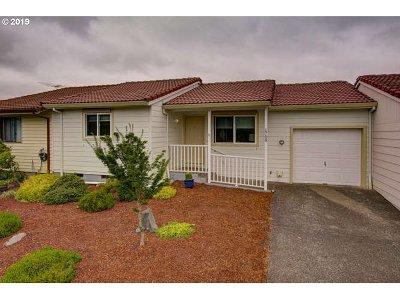 Newberg Single Family Home For Sale: 1708 Johnson Dr