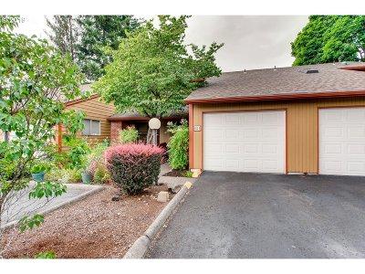 Portland Condo/Townhouse For Sale: 881 NE 90th Ave