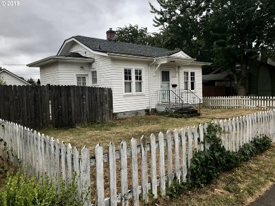 Multnomah County Single Family Home For Sale: 7504 NE Siskiyou St