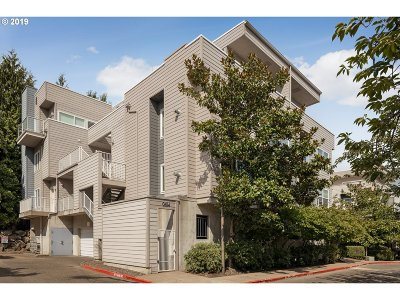 Portland Condo/Townhouse For Sale: 614 SW Nevada St #D