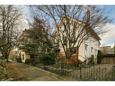 Portland Single Family Home For Sale: 2337 NW Marshall St