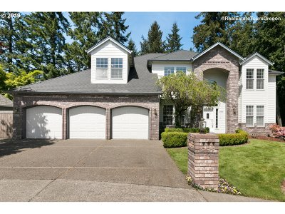 Tualatin Single Family Home For Sale: 10185 SW Sedlak Ct
