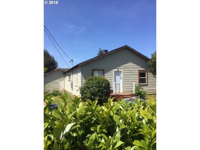 Coquille Single Family Home For Sale: 809 N Folsom St
