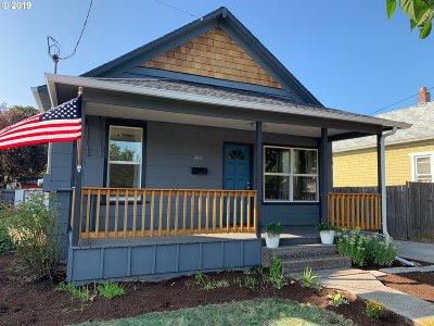 Gladstone Single Family Home For Sale: 410 W Dartmouth St