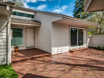 Wilsonville Single Family Home For Sale: 8274 SW Lafayette Way