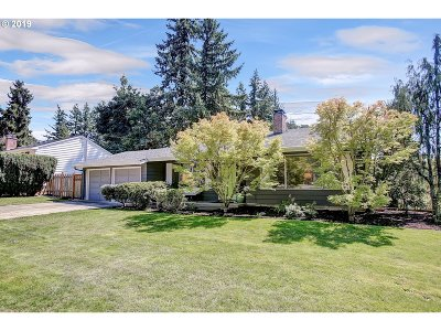 Portland Single Family Home For Sale: 13417 SW 61st Ave