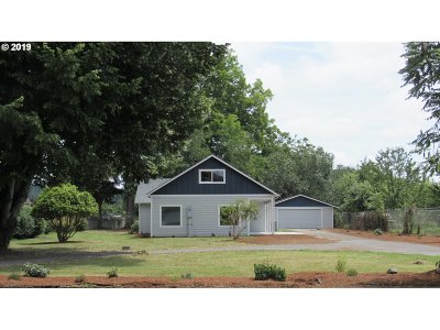 Cowlitz County Single Family Home For Sale: 2344 30th Ave