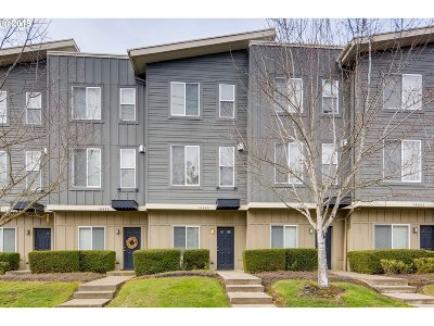 Beaverton Condo/Townhouse For Sale: 16685 SW Baseline Rd