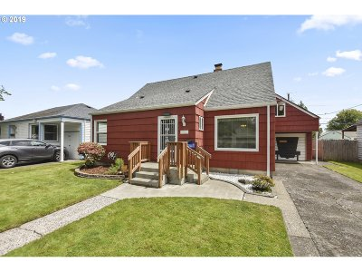 Cowlitz County Single Family Home For Sale: 560 25th Ave