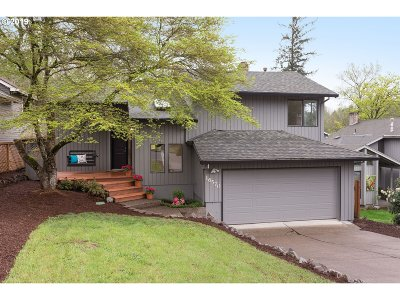 Single Family Home For Sale: 16570 SW Woodcrest Ave